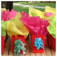 Art Truck gift bags! Spread the sparkle by giving your party guests an artistic goodie bag to take home. Each is filled with sparkling art supplies, party favors and project ideas to inspire creativity and fun!
