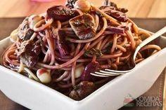 Receita de Espaguete com filé ao molho de vinho em receitas de massas, veja essa e outras receitas aqui!