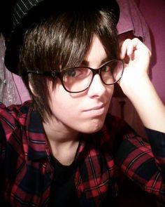Do you like boys with glasses heichou? . . . . #cosplayer #cosplay #cos #costest #frenchcosplayer #snk #snkcosplay #snkeren #erensnk #shingekinokyojin #shingekinokyojincosplay #shingekinokyojineren #attackontitan #attackontitancosplay #attackontitaneren #eren #jeager #erenjaeger #jeagereren #erencosplay #jeagercosplay #erenjaegercosplay #cosplaymodern #moderneren #riren #ereri #cosplaymakeup