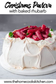 Australian Pavlova meets European winter! This is THE BEST pavlova recipe you'll need for a winter dinner party! Mulled spices, vanilla cream and baked rhubarb or toppings of your choice! This is a show stopping dessert for a festive, or winter dinner party. #winterpavlova #spicedpavlova #christmaspavlova #australianpavlova #pavlovarecipe #pavlova via @homecookskitchn Winter Desserts, Easy Desserts, Delicious Desserts, Dessert Recipes, Yummy Food, Dessert Ideas, Dessert Bars, Healthy Desserts, Baking Recipes
