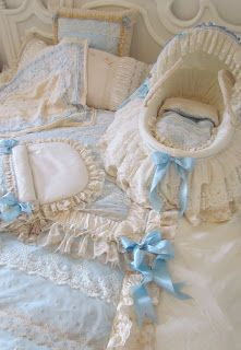 Bassinet And Baby Linens Baby Bassinet, Baby Cribs, Blue Bed Covers, Baby Baskets, Chic Baby, Blue Bedding, Baby Needs, Mother And Baby, Reborn Babies