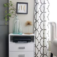 diy modern makeup vanity with ikea ekby alex shelf diy. Black Bedroom Furniture Sets. Home Design Ideas