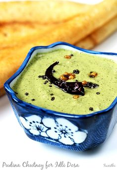 Pudina chutney for idli dosa vada. Healthy, tasty and hot pudina pachadi to serve with any snacks, paratha or south Indian breakfasts