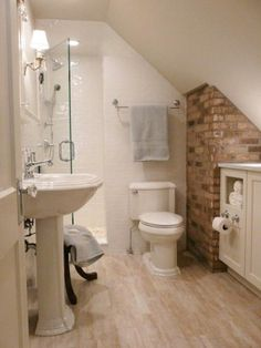 55 Cozy Small Bathroom Ideas & Sloped Ceiling Over Toilet & Loft Conversion Ideas & Small Attic Bathroom & Attic Remodel & Attic Bathroom Plumbing & Houzz Attic Bathroom. Small Attic Bathroom, Attic Master Bedroom, Tiny Bathrooms, Upstairs Bathrooms, Attic Rooms, Attic Spaces, Master Bathroom, Brick Bathroom, Cape Cod Bathroom
