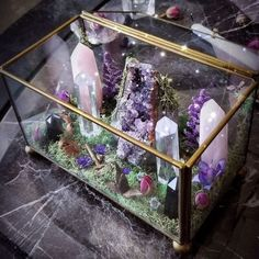 Are you trying to beautify your apartment decorating with some crystal decoration? Well, if you are, then you have come to the right place. Decorating your apartment can be a tricky task to do. Crystal Altar, Crystal Garden, Crystal Decor, Crystal Healing, Crystal Box, Crystal Magic, Crystal Skull, Crystal Jewelry, Quartz Crystal