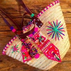 RAINBOW ↠SQUAW↞ Hand Made With Love by @little_squaw chez @boutiquerosanita #Squaw#BoutiqueRosanita#JuanlesPins#Ethnic#Hippie#Gypsy#Boho#Indian#Peruvian#Mexican#StrawBag#Colorful#HotPink#Neon#Embroidered#Beaded#Cowrie#Pompon#Spring#Summer