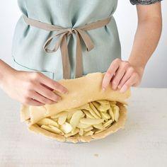 How to Make Pie Crust | Hy-Vee Pie Crust Designs, How To Make Pie, Homemade Pie Crusts, Pie Recipes, Food, Essen, Meals, Yemek, Eten