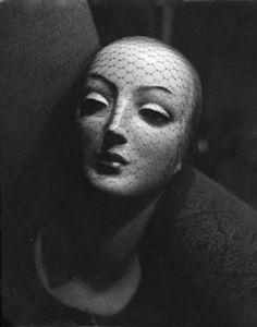 Alemany, José: Mannequin Head Studies on LiveAuctioneers Art Mannequin, Vintage Mannequin, Black N White Images, Black And White, Doll Parts, Model Pictures, Vintage Beauty, Mannequins, Belle Photo