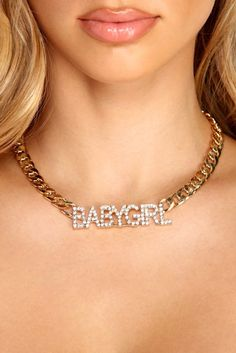 Pick up the hottest necklaces and chokers perfect for fall day dress and going out looks. Trendy and fierce styles that amp your necklace and choker fashion. Cute Jewelry, Jewelry Shop, Jewelry Accessories, Rhinestone Necklace, Collar Necklace, Fashion Necklace, Fashion Jewelry, Gold Chains, Insta Baddie