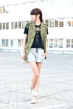 outfit isabel marant top army vest