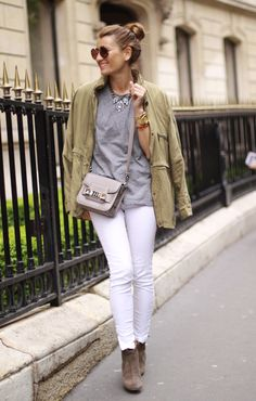 White skinnies and a jeweled collar Party Fashion, Love Fashion, Autumn Fashion, Style Fashion, White Skinnies, White Jeans, White Pants Outfit, Street Style 2014, Cool Style