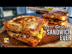 The Best Grilled Sandwich Ever!!! | Blaze Griddle - YouTube Grill Cheese Sandwich Recipes, Pastrami Sandwich, Grilled Sandwich, Sandwich Ingredients, Toast Sandwich, Grilled Cheese Recipes, Grilled Cheeses, Texas Toast Garlic Bread, Wrap Sandwiches