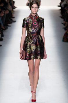 Valentino Fall 2014 Ready-to-Wear Fashion Show - Scarlett Gray (ELITE)