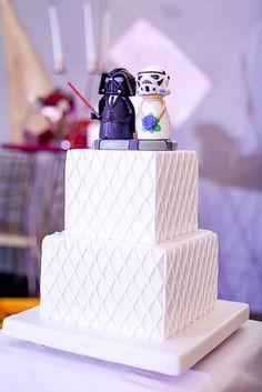 Star Wars Wedding Cake | Photo: Team Benitez