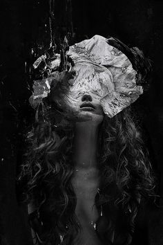 Tomaas is a German-born fashion photographer who spends his days in New York shooting visually striking imagery inspired by great representa. Photomontage, Art Photography, Fashion Photography, Conceptual Photography, Digital Photography, Computer Art, Photoshop, Gcse Art, Dark Beauty