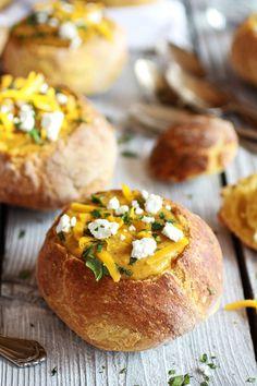17 cosas deliciosas con las que rellenar un bol de pan