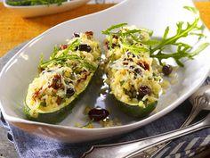 Gefülltes Gemüse - von Aubergine bis Zucchini - gefuellte-zucchini-bulgur  Rezept