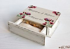 Wedding ring box, Wedding box, Wreath wedding ring box, ring bearer box, wreath box, Watercolor wreath, custom ring holder, personalized box by ArtDidi on Etsy Wedding Ring Box, Wedding Boxes, Wreath Boxes, Ring Bearer Box, Wreath Watercolor, Jewelry Box, Unique Jewelry, Personalised Box, Decoupage