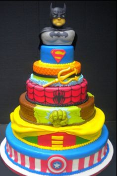 Avengers cake.. would be adorable if the person realized that half of them arent avengers..