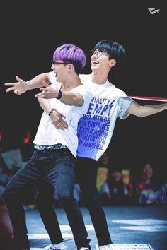 double b ikon hanbin and bobby Yg Ikon, Chanwoo Ikon, Kim Hanbin, Ikon Kpop, K Pop, Yg Artist, Ikon Member, Winner Ikon, Ikon Debut