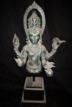 Devi 4 Hands Lakshmi Goddess Half Body with Free Stand Bronze Brass Sculpture - Spiritual Hindu Goddess Statue Bronze Sculpture, Lion Sculpture, Indonesian Art, Religious Ceremony, Goddess Lakshmi, Deities, Buddhism, Old Things, Spirituality