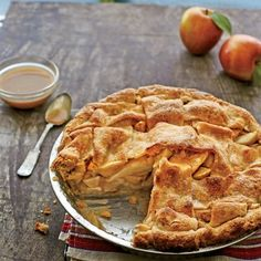 Best Apple Pie Recipes: Double Apple Pie Recipe with Cornmeal Crust (Apple Recipes Dessert) Best Apple Recipes, Best Apple Pie, Apple Dessert Recipes, Just Desserts, Fall Recipes, Holiday Recipes, Delicious Desserts, Favorite Recipes, Apple Pies