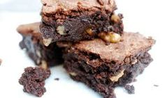 Are the best brownies dense and fudgey, or crumbly and earthily chocolatey? Best Chocolate Brownie Recipe, Chocolate Brownies, Brownie Recipes, Cake Recipes, Dessert Recipes, Desserts, Chocolate Chocolate, Brownies Uk, Beste Brownies