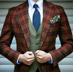 I love plaid but am too timid to wear it, and b/c plaid needs to look pricey in order to not look like thrift store desperation.