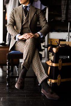 Manor Style   Tweed Tartan Leather. 数十年間、W.Billの倉庫で眠っていた、ビンテージクロス 450グラムオーバーのヘビーウエイト […]