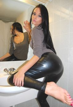 #Leather #LeatherPants