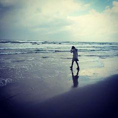 【chan_myu318】さんのInstagramをピンしています。 《海2🚢🌊🌅 #海 #うみ #写真好き #写真 #きれい #景色 #景色最高 #日本 #日本海 #海岸 #浜辺 #青 #水色 #美しい #空 #女の子 #sea #japan #japanese #girl #beautiful #beautiful #sky #おしゃれさんと繋がりたい#かっこいい #cool》
