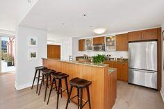 Gorgeous Indoor-Outdoor Living  50 Lansing Street  Unit 601  San Francisco, CA 94105