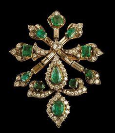 Pendente con diamanti e smeraldi