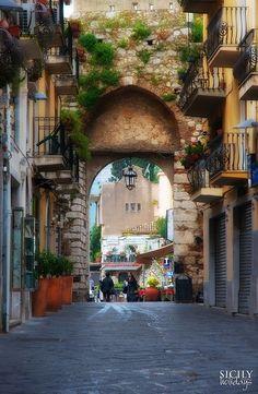 Porto Catania, Sicily