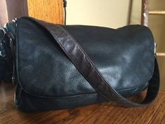 STONE MOUNTAIN LEATHER SHOULDER BAG PURSE BLACK/BROWN HOBO STYLE KEY FOB