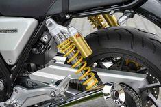 新型CB1100は、走りを楽しむ「RS」と 所有感を満たす「EX」へと進化! - オートバイ & RIDE