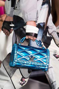 Louis Vuitton at Paris Fashion Week Spring 2016 - 2019 Couture Handbags, Mini Handbags, Louis Vuitton Handbags, Fashion Handbags, Purses And Handbags, Vuitton Bag, Vintage Purses, Vintage Handbags, Sacs Louis Vuiton