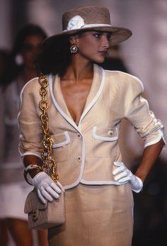 Chanel S/S 1990Photographer:Laszlo Veres  Model: Jennifer Noble