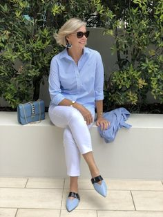 Styling Tips for Spring 2018 — This With This Fashion Over Fifty, Over 50 Womens Fashion, Fashion Over 50, Fashion Looks, Summer Fashion Outfits, Summer Outfits Women, Casual Outfits, Fashion Tips, Mature Fashion