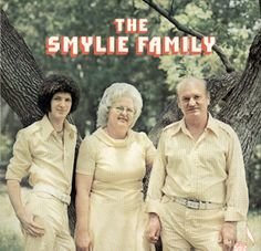 """The Smylie Family sings """"Gingham Makes Me Feel Special"""""""