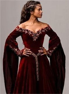 my favorite neckline -- Angel Coulby as Queen Guinevere in red velvet gown with . - - my favorite neckline — Angel Coulby as Queen Guinevere in red velvet gown with gold embroidery (BBC Merlin Series Source by basmaelkatan Costume Renaissance, Renaissance Dresses, Medieval Costume, Renaissance Fair, Medieval Fashion, Medieval Clothing, Gypsy Clothing, Hippie Style Clothing, Hippie Outfits