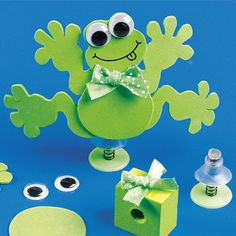 Wouldn't this frog craft make a great centerpiece? Frog Crafts, Crafts To Do, Crafts For Kids, Paper Crafts, Diy Crafts, Frog Birthday Party, Birthday Parties, Spring Activities, Craft Activities