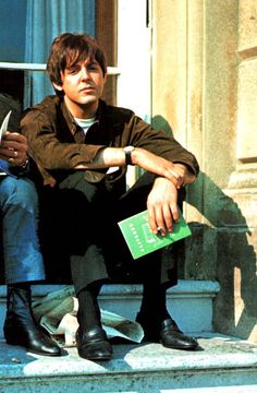 Paul McCartney and the other Beatles on May take a break and study their acting scripts at the 'Cliveden House' where they are filming the 'Help! Paul Mccartney Beatles, My Love Paul Mccartney, Liverpool, John Lennon, Great Bands, Cool Bands, Acting Scripts, The Quarrymen, Les Beatles