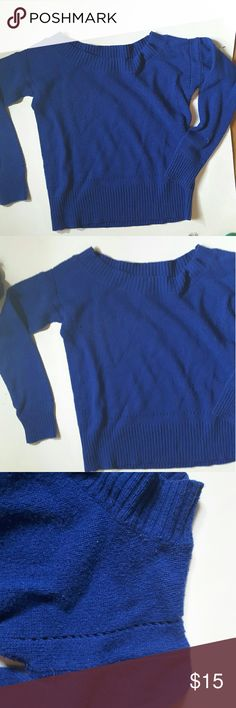 Off the shoulder American Eagle outfitters sweater American Eagle outfitters  off the shoulder sweater small Lazer cut out at bottom and around  shoulder 17 inches from armpit to armpit American Eagle Outfitters Sweaters