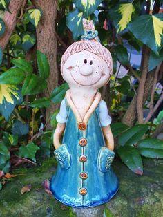 http://de.dawanda.com/product/71062187-FunnyZenzi-Zaunhocker-Gartenkeramik-Skulptur