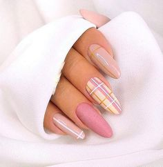 Simple Line Nail Art Designs You Need To Try Now line nail art design, minimalist nails, simple nails, stripes line nail designs Nail Art Design Gallery, Best Nail Art Designs, Nail Designs Spring, Spring Design, Line Nail Designs, Cute Spring Nails, Spring Nail Art, Summer Nails, Cute Acrylic Nails