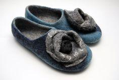 Felt slippers Women slippers Woolen clogs Valenki от JurgaFeltLife