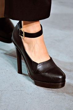 Derek Lam - fall 2012 - rtw - fw 12 - aw 12 - brown leather shoe -