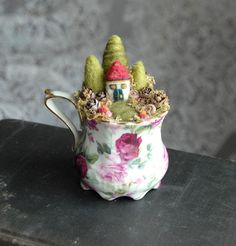 Fairy House Garden Needle Felted Tiny Fairy Garden by gingerlittle Fairy Gardens, Fairy Garden Houses, Gnome Garden, Tea Cup, Window Sill, Pincushions, Felt Fairy, Hobbys, Fairy Land