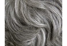 O que acha de cabelos brancos? Muitos acham charmosos (nós, por exemplo). Mas parece que a maioria das pessoas não gosta de ter cabelos brancos, especialm